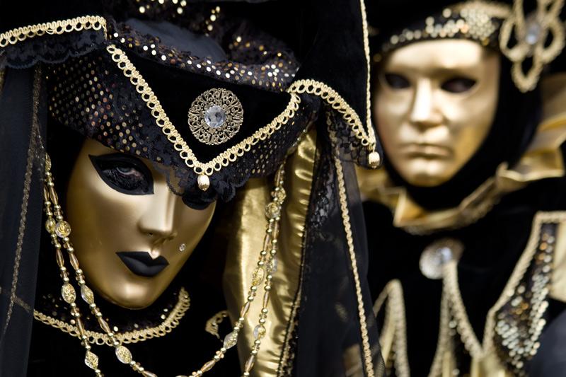 Due-maschere-carnevale-Venezia
